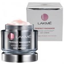 Lakme Perfect Radiance Compact Foundation - Intense Whitening SPF23